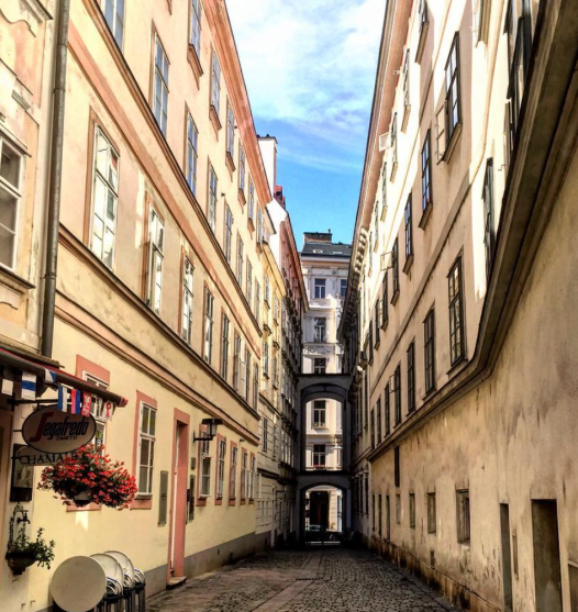 Alley through Blutgasse